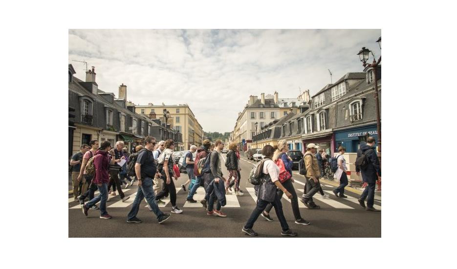 Le quartier Saint-Louis à Versailles traversé par le Grand Paris Express piéton, cycle de randonnées urbaines organisées par Enlarge your Paris et la Société du Grand Paris / © Jéromine Derigny pour Enlarge your Paris