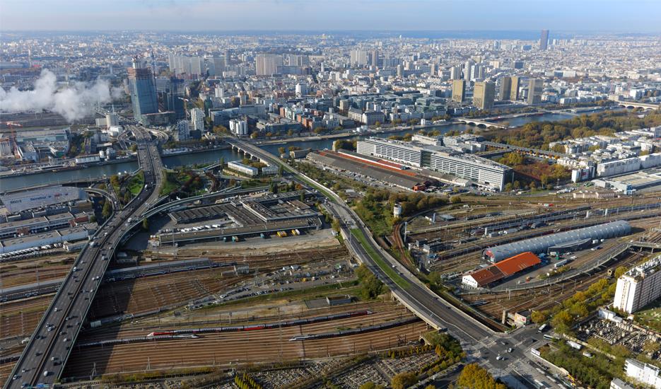 Faisceaux ferroviaires de la Gare de Lyon (12e) © Ph.guignard@air-images.net