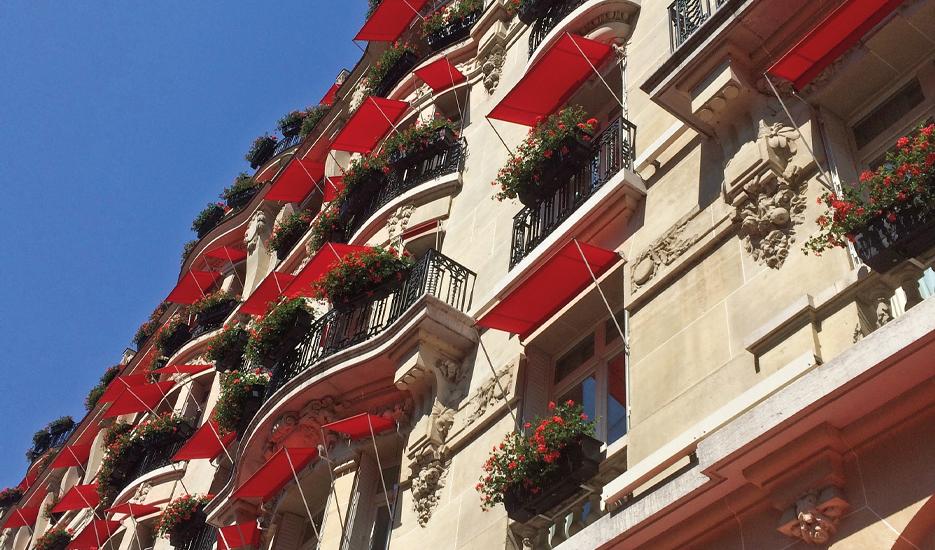 Plaza Athénée Hotel  (25, avenue Montaigne, Paris 8e) © Apur – JC Bonijol