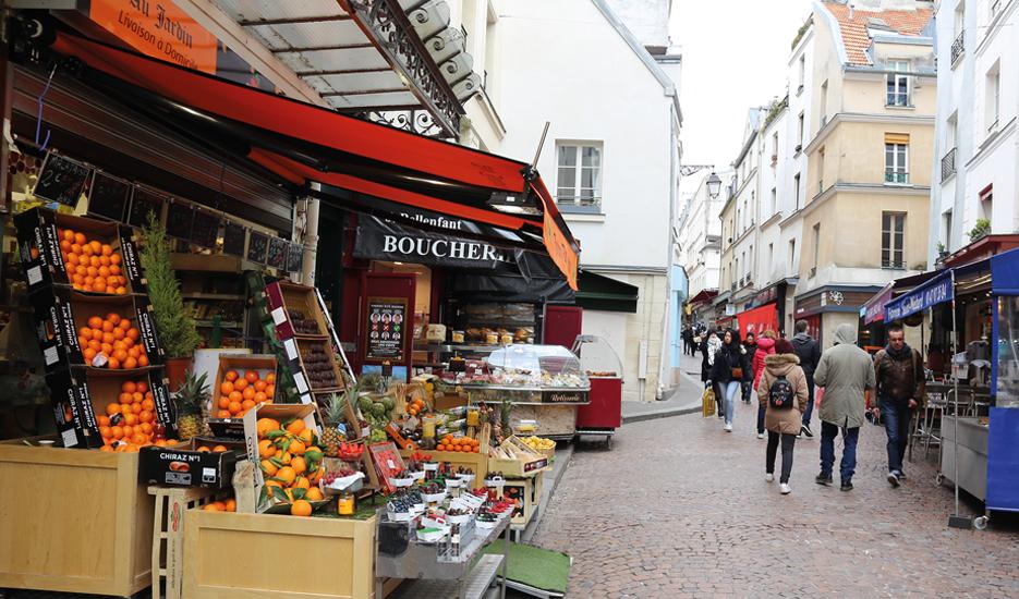 Parisian shops, rue Mouffetard, Paris 5th district © Apur
