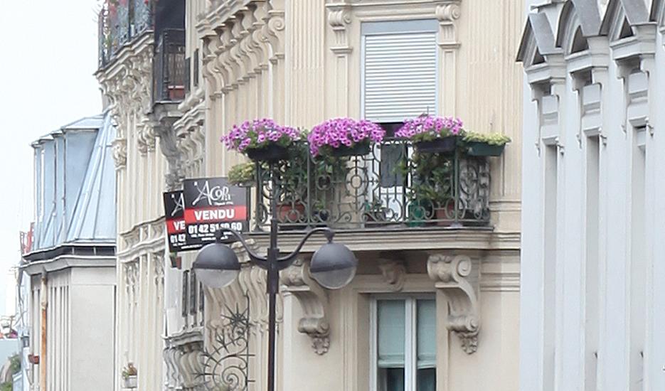 Vue vers des immeubles d'habitations à Paris © Apur - David Boureau