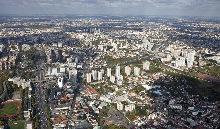 Vue aérienne sur la porte de Bagnolet et le territoire d'Est Ensemble © ph.guignard@air-images.net