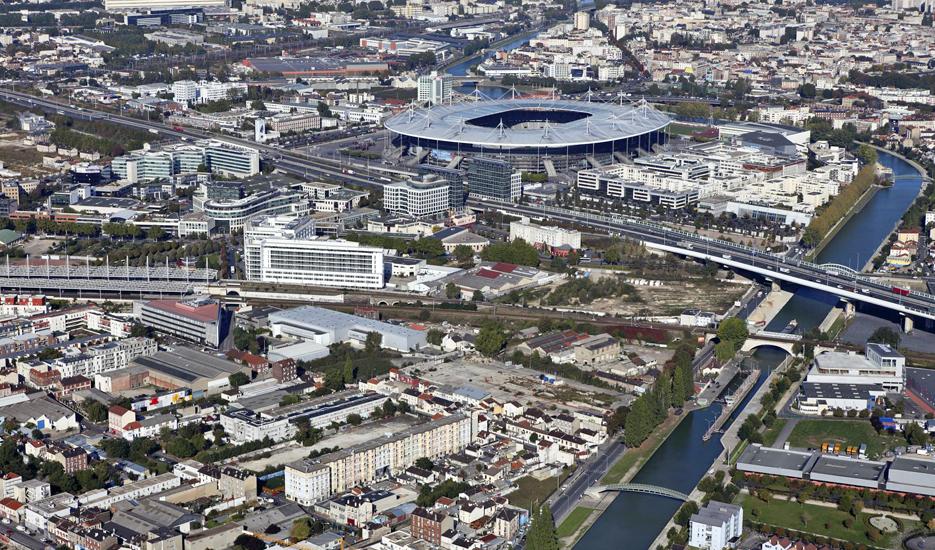 Vue sur Saint-Denis et le Stade de France depuis Aubervilliers © Ph.Guignard@air-images.net