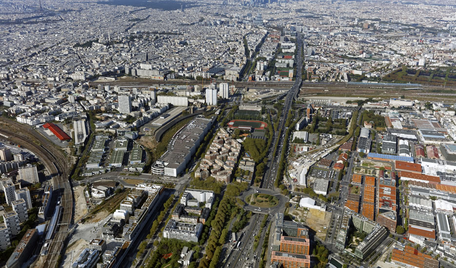 "Aerial view of 18th district city gates ""Portes du 18e"", seen from Porte d'Aubervilliers © ph.guignard@air-images.net"