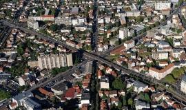 Vue aérienne sur la métropole du Grand Paris © Ph.Guignard@air-images.net