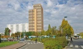 Six-Routes road junction at La Courneuve - with Entrepose tower block in the centre © Apur