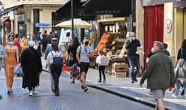 Commerces et piétons rue Montorgueil © Apur - François Mohrt