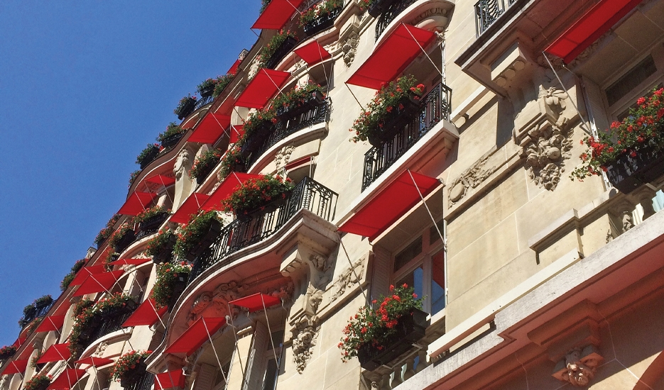 Hôtel Plaza Athénée (25, avenue Montaigne, Paris 8e) © Apur – JC Bonijol