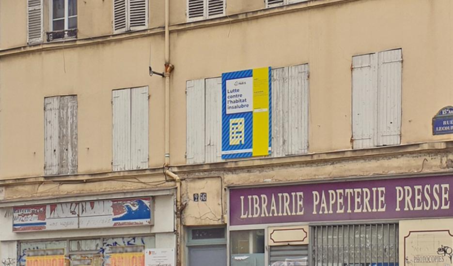 Immeuble d'habitat indigne acquis par la puissance publique en vue de la construction de logements sociaux - Rue Lecourbe (15e) © Apur