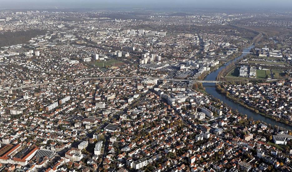 View over the Métropole du Grand Paris © Ph.Guignard@air-images.net