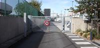 Vue de l'entrée du  TAM et BSPP Brigade de sapeurs-pompiers de Paris depuis la nouvelle impasse qui longe le périphérique boulevard extérieur depuis la porte de Saint-Ouen  © David Boureau - Apur